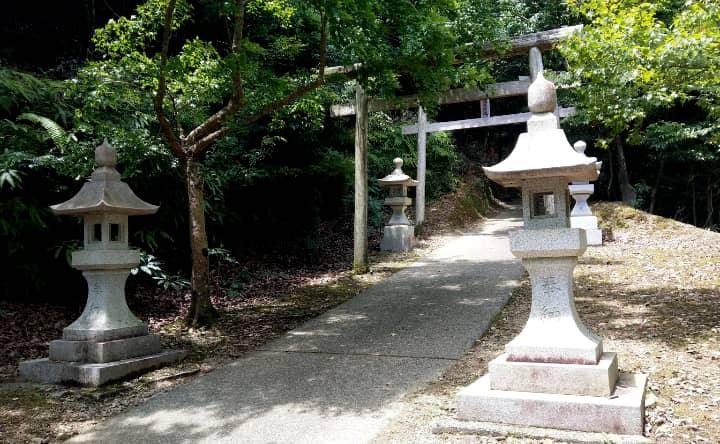 hayakawashrine10-min
