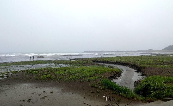 お倉ヶ浜海水浴場南側
