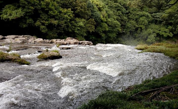関之尾滝の甌穴