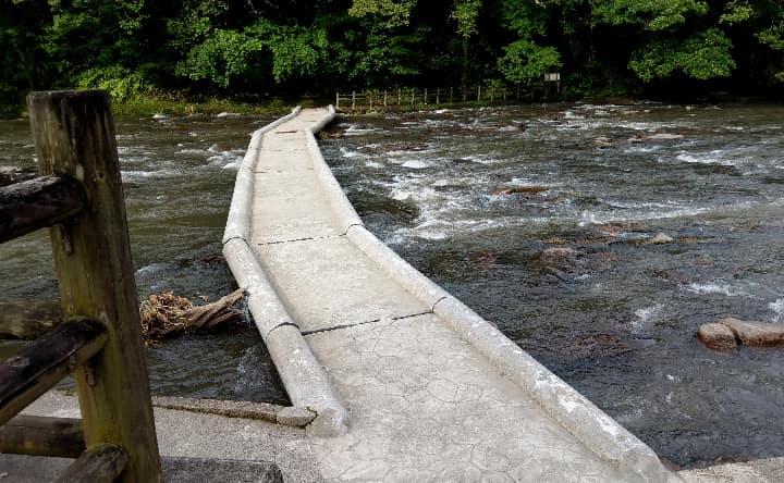 関之尾滝の橋
