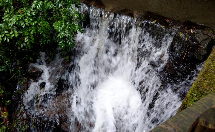 関之尾の男滝