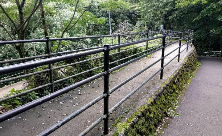 関之尾滝のスロープ