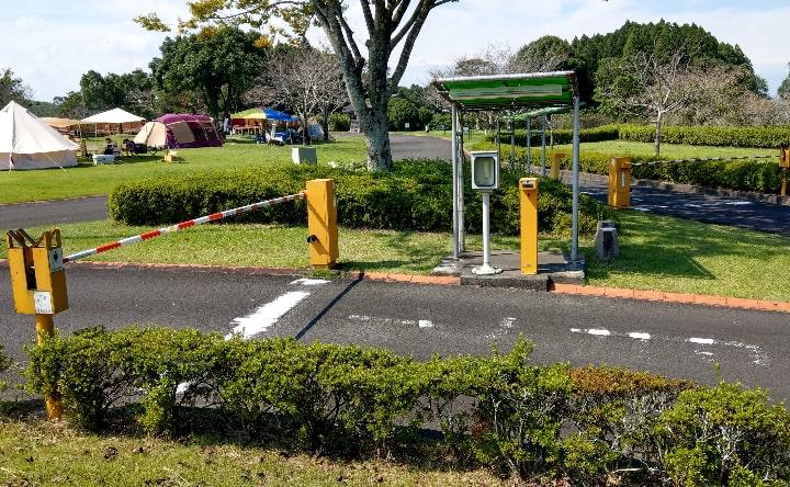 観音池公園キャンプエリア入口