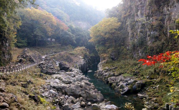 高千穂峡の真名井の滝の手前